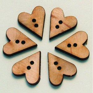 Knapp - trä 6 st. Enkla hjärtan - 2