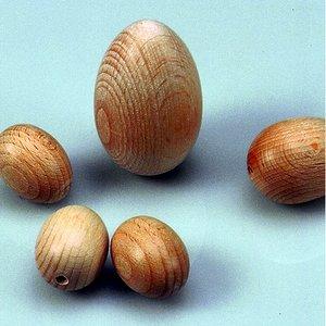 Trä ägg 25 x 30 mm ø 3 mm - 25-pack - blekt halvhål
