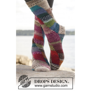 Colour play by DROPS Design - Sockor Stick-opskrift str. 35/37 - 41/43