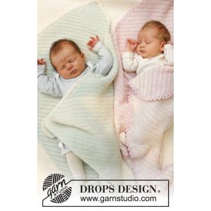 Dream Date by DROPS Design - Baby Filt Stick-mönster 34x51 cm eller 50