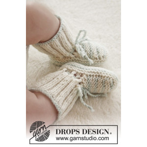 First Impression Booties by DROPS Design - Baby Tofflor Stick-mönster