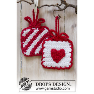 Hanging Gifts by DROPS Design - Julpynt Virk-mönster 7x7 cm