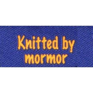 Label dubbelsidig Knitted by Mormor Marinblå